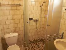 kad-pokoj-je-vybaven-vlastnm-wc-a-sprchou