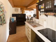 apartmn-v-podkrov-kuchyka