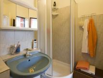 apartmn-pod-schdky-koupelna