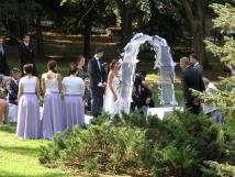 svatebn-obad-na-zahrad