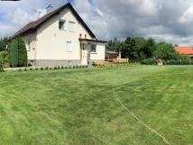 velk-travnat-zahrada