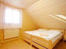 pokoj-1-manelsk-postel