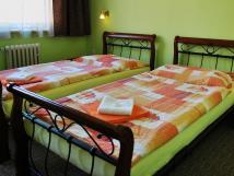 dvoulkov-pokoj-s-oddlenmi-postelemi