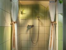 stylov-romantick-pokoj-sprchov-kout