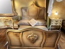 stylov-romantick-pokoj-manelsk-postel