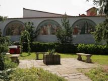 lunety-maxe-vabinskho-v-arelu-hotelu