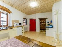 krlovsk-apartmn-kuchysk-kout