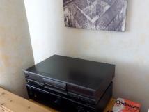 velk-apartmn-hi-fi-sestava-s-monost-poslechu-cd-i-vlastn-hudby-z-mobilu-pc-tabletu