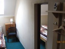 rodinn-dvoulonicov-pokoj