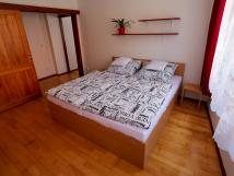 apartm-s-manelskou-postel-king-a-vivkou