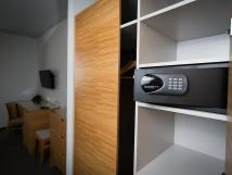 vechny-pokoje-comfort-jsou-vybaveny-elektronickm-trezorem-pro-uloen-cennost