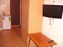 apartmn-s-vanou-pohled-od-okna-tv