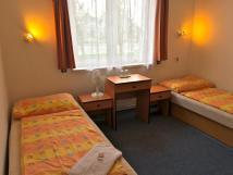hotel-skif-dvoulkov-pokoj-